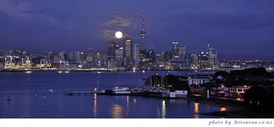Full moon. Devonport, Auckland
